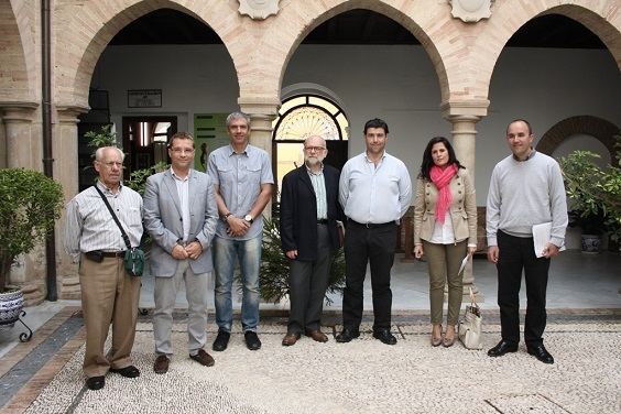 """Acto de presentación de la campaña """"Recicomercio"""", en Andújar."""