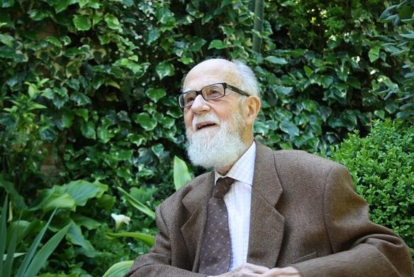 El profesor, Manuel Sotomayor Muro, al que se rindió homenaje.