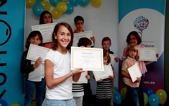 Acto de entrega de diplomas en el Centro Kumon de Andújar.