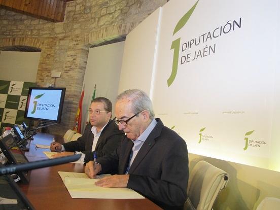 Eduardo Criado y Francisco Huertas durante la presentación de este acuerdo.