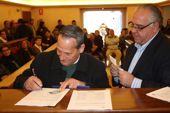 Acto de entrega de las ayudas en el Ayuntamiento de Andújar.