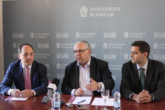 Acto de la firma del convenio de colaboración con Red Eléctrica de España (REE).