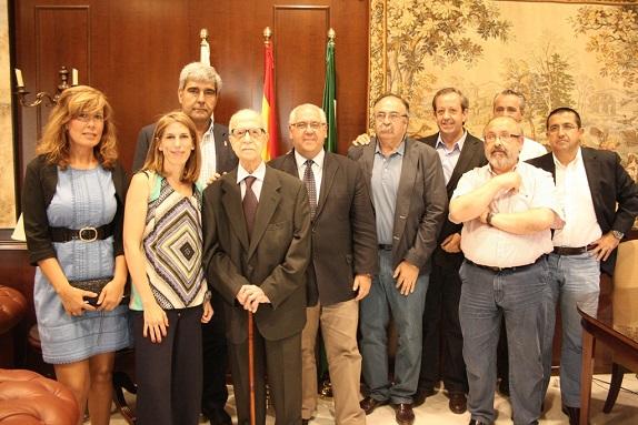 Con los Alcalde, concejales, cronita oficial y J. V. Córcoles