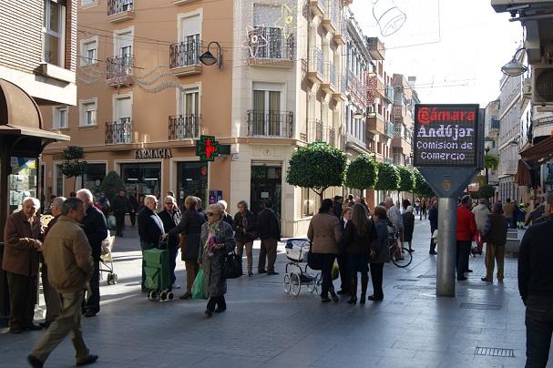 Céntrica calle comercial de Andújar.