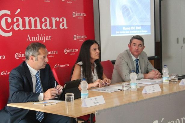 Acto de inauguración de esta jornada informativa destinada a los empresarios y emprendedores de la comarca.