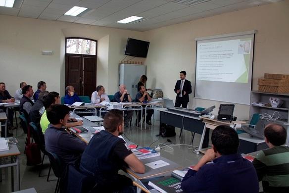 Asistentes a la jornada sobre la eficiencia energética y la tecnología LED, en Andújar.