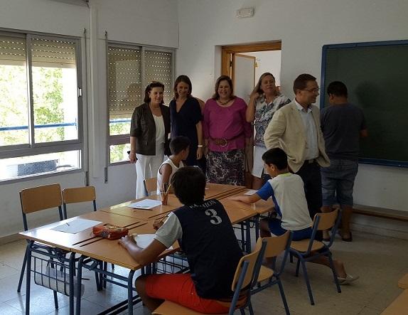 María José Sánchez Rubio, Ana Cobo y Paco Huertas visitan esta Escuela de Verano de Andújar.
