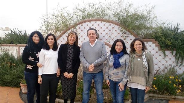 La concejal de Promoción Local del Ayuntamiento de Andújar, Encarna Camacho, junto a personal del servicio Andalucía Orienta.