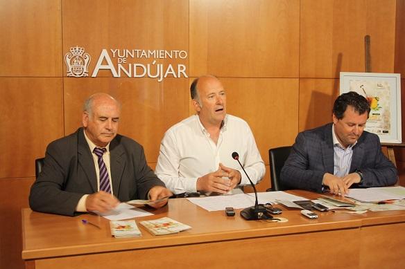 El Concejal de Agricultura del Ayuntamiento de Andújar, Luis Salas, el Diputado Provincial de Agricultura, Pedro Bruno, y el Delegado de Agricultura de la Junta de Andalucía en Jaén, Juan Balbín.