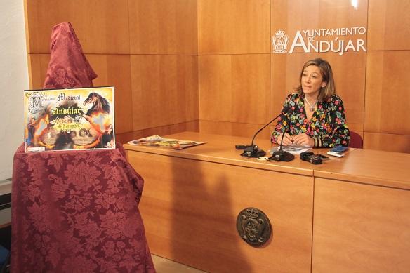 La concejala de Promoción, Encarna Camacho, ha presentado el programa del Mercado Medieval de Andújar.