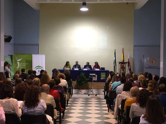 La delegada territorial de Políticas Sociales, Teresa Vega, asistió a este encuentro.