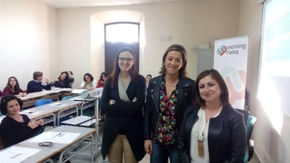 La concejala de Promoción Local del Ayuntamiento de Andújar, Encarna Camacho, junto con Eva Lechuga.