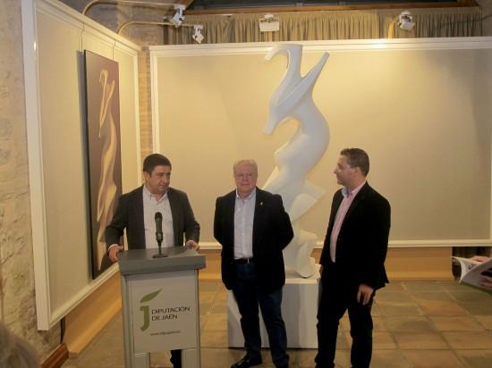 Francisco Reyes, Miguel Fuentes y Francisco Huertas en la inauguración de esta muestra.