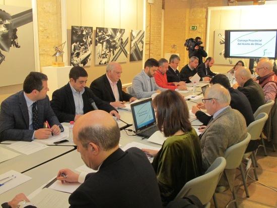 Francisco Reyes, segundo por la izquierda, ha presidido una nueva reunión de este consejo.