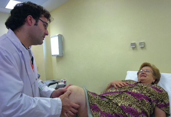 Una imagen de una consulta de traumatología en el Hospital de Andújar.