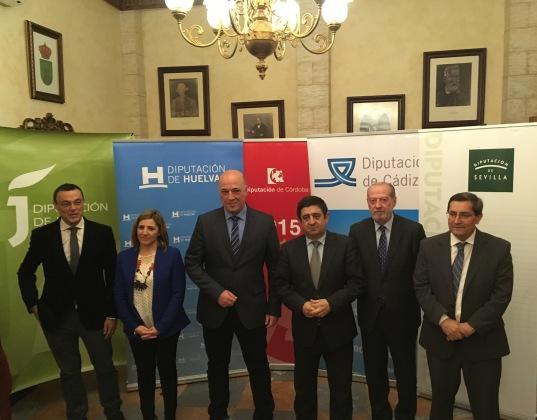 Ignacio Caraballo, Irene García, Antonio Ruiz, Francisco Reyes, Francisco Rodríguez y José Entrena, antes de esta reunión.