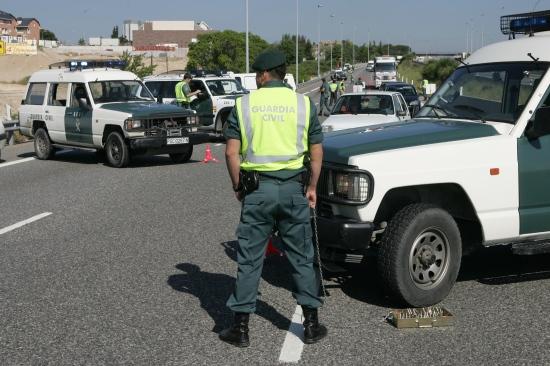Un miembro de la Benemérita en una operación. Foto: Guardia Civil.