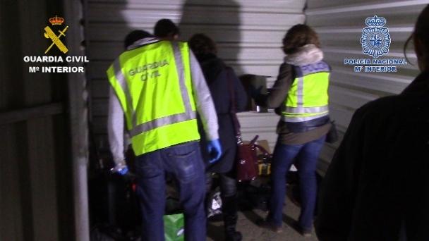Miembors de la Benémerita y de la Policía Nacional intervienen en esta operación: Foto: Guardia Civil.