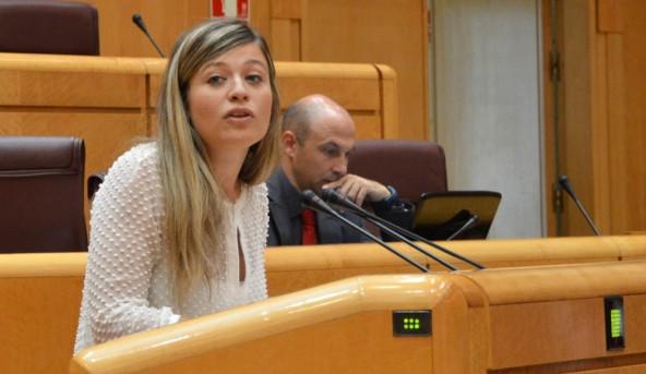 Laura Berja en una intervención en el Senado.